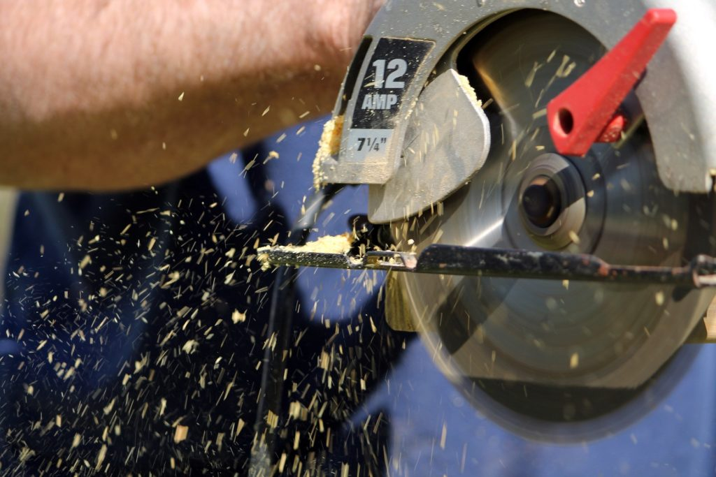 A Complete Beginner's Guide to Power Tool Safety