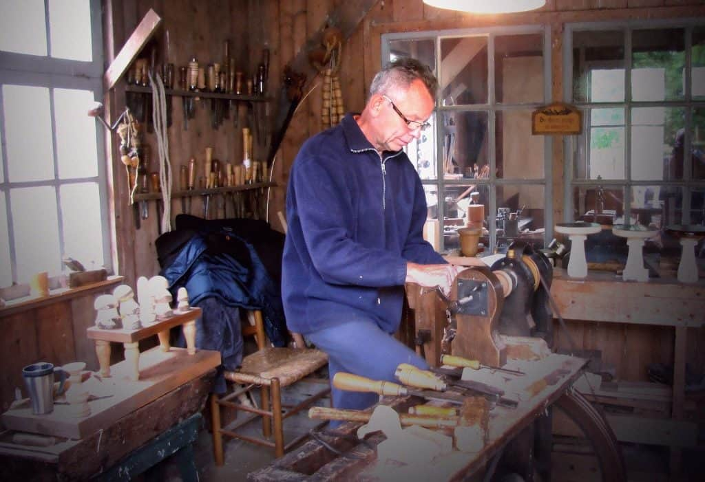 5 Best Places for Woodworking